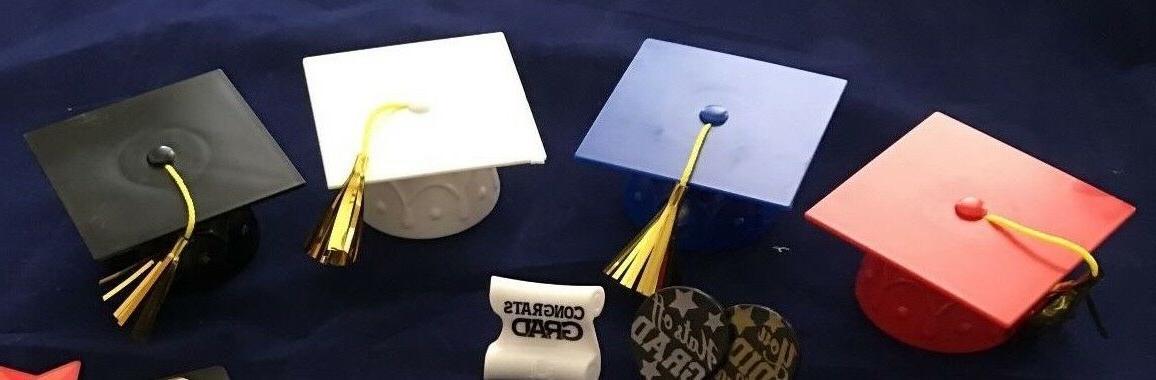 Decopac Graduation with Cupcake