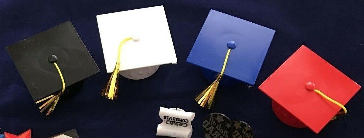 Decopac Layon Graduation Cap with Tassels Cake & Cupcake Top