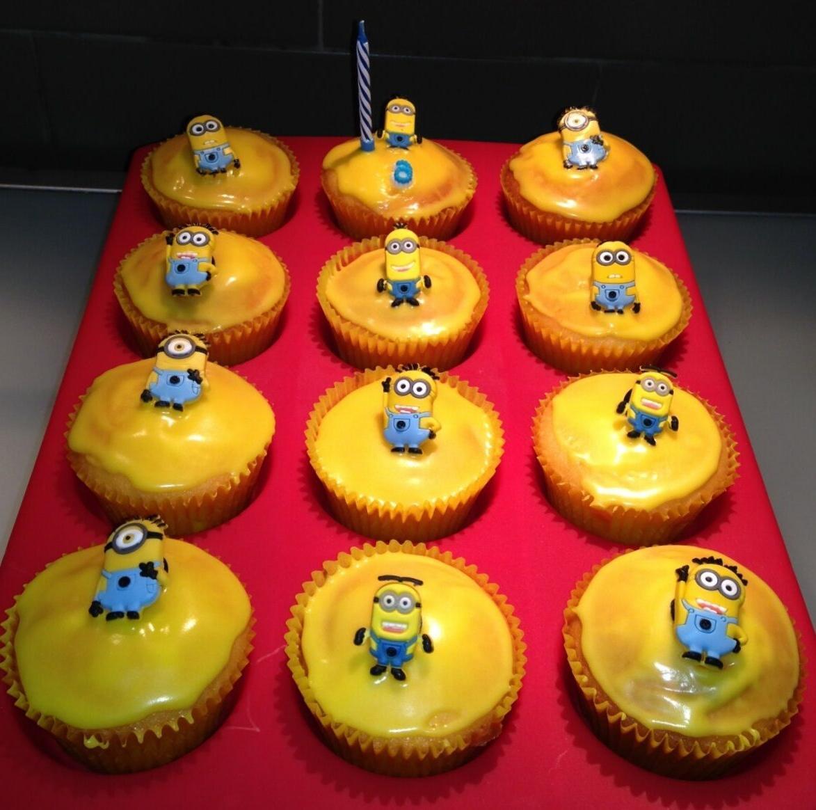 Frozen 14 Cupcake Charms Princess NEW