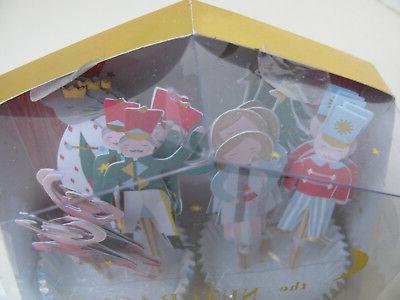 CUPCAKE KIT - CUPS and PICKS -