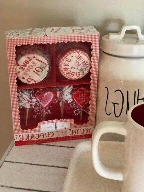 Meri Meri Valentine's Day You're my Cupcake Kit 24 Cases & T
